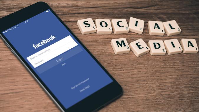 Become a Social Media King/Queen